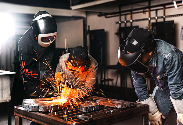 ccd_downloads_photography_welding_2_600x410-1